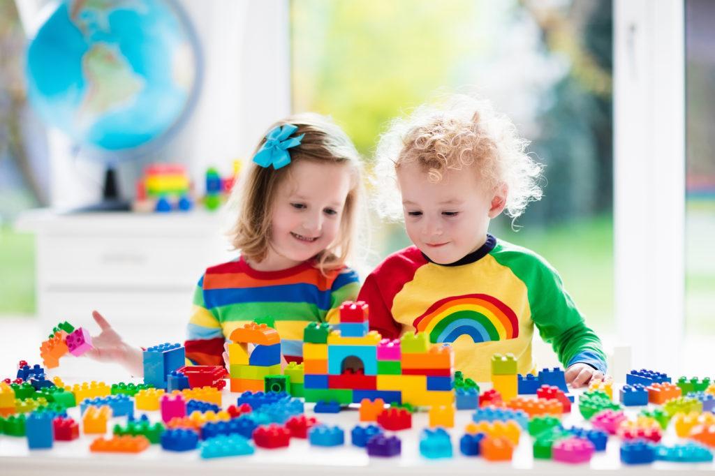 3-4 Years Program - Children playing with blocks